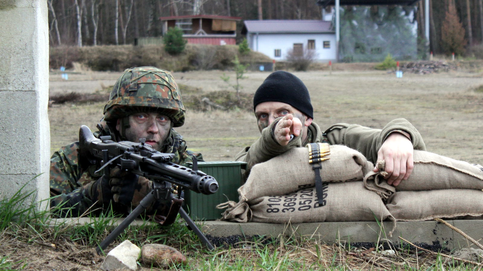Maschinengewehr in Stellung